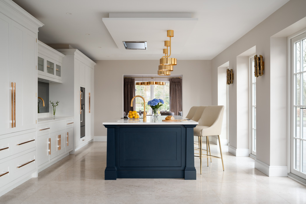 hhi design modern kitchen with navy and gold details