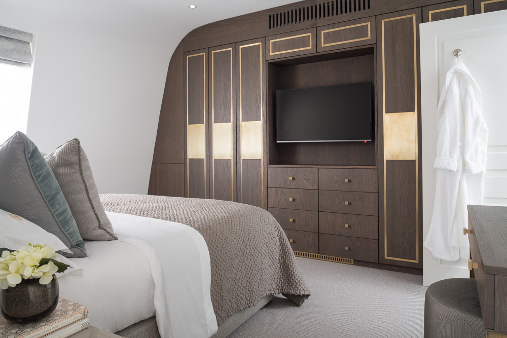 wooden london bedroom interior design