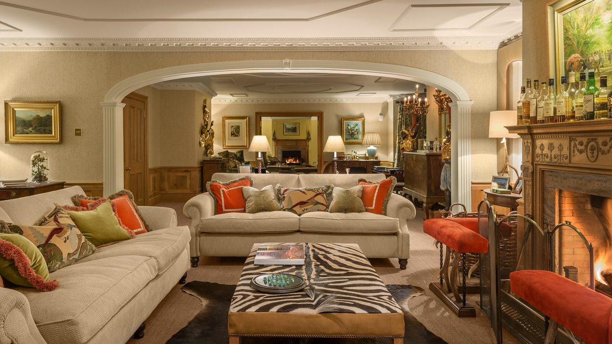 Laudale Estate Scotland Interior Traditional Sitting Room Beige Orange Furniture